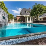 backyard-swimming-pool