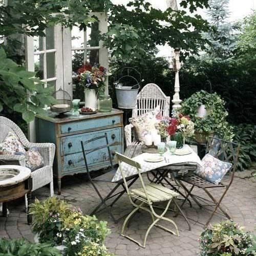 Shabby-Chic Style Garden