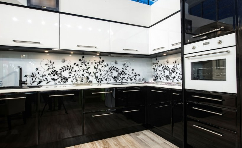 black kitchen cabinets and awesome splashbacks