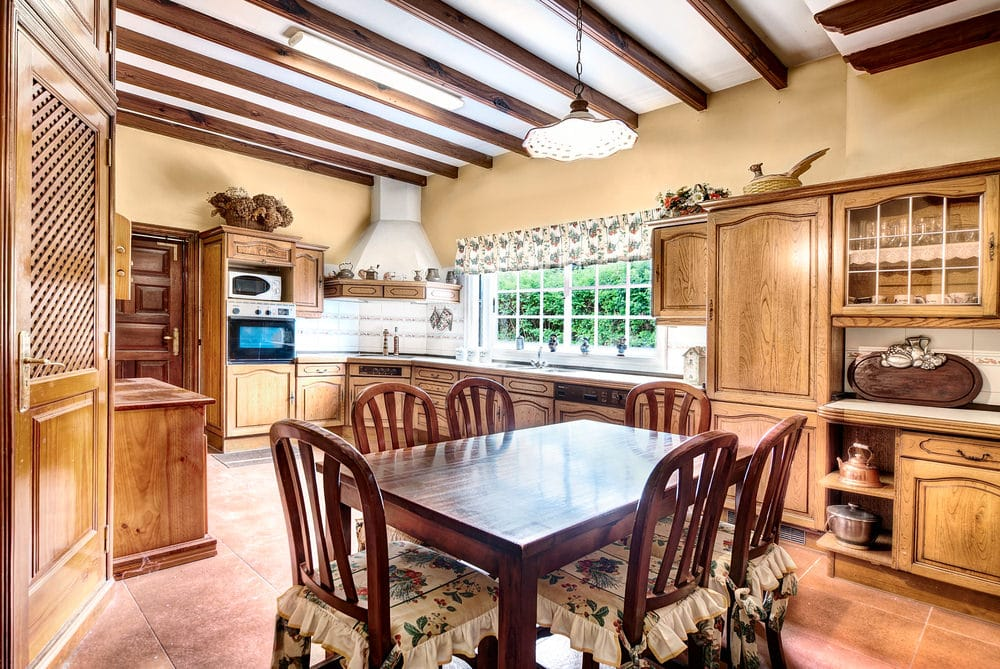 country kitchen modified to fit your lifestyle