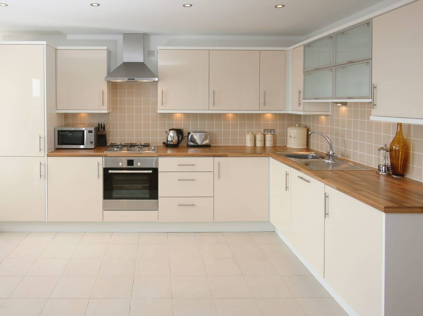 kitchen wall tiles that suits your personality and budget