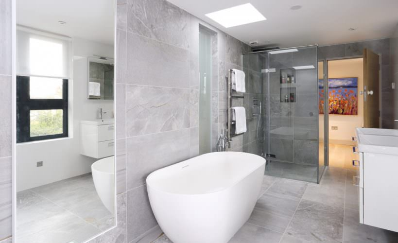 Luxury loft en suite bathroom