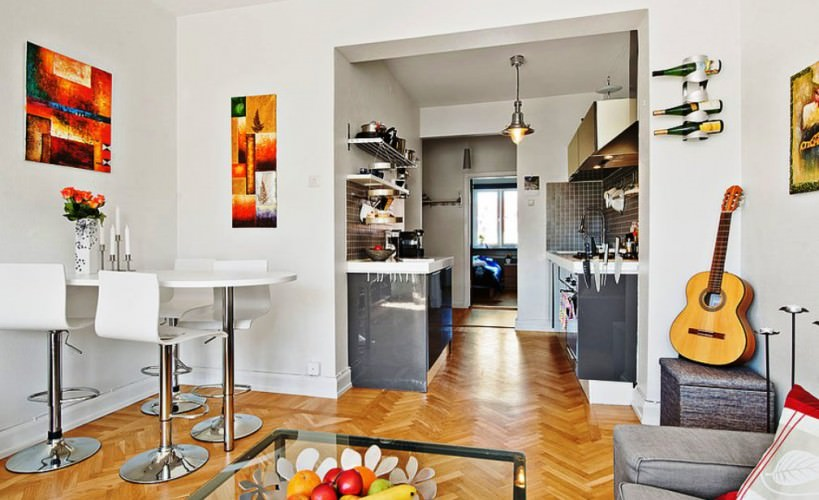 live comfortably in this small open plan kitchen and living room