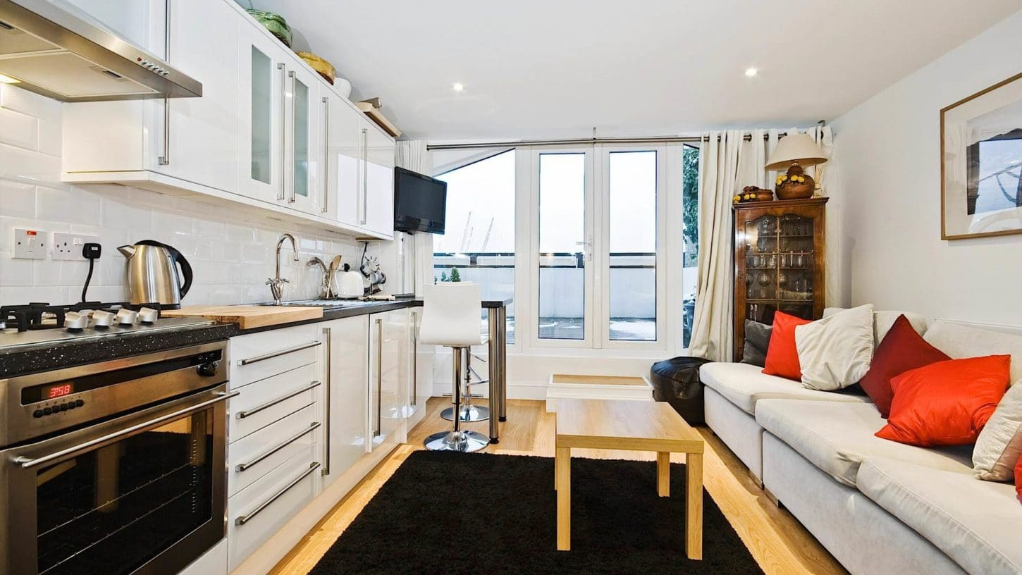 Small open plan kitchen and living room for Furnishing a small flat