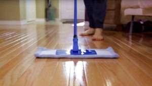 hardwood-floor-cleaning