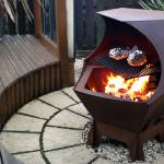 Metal Decahedron Fire-Pit Barbecue